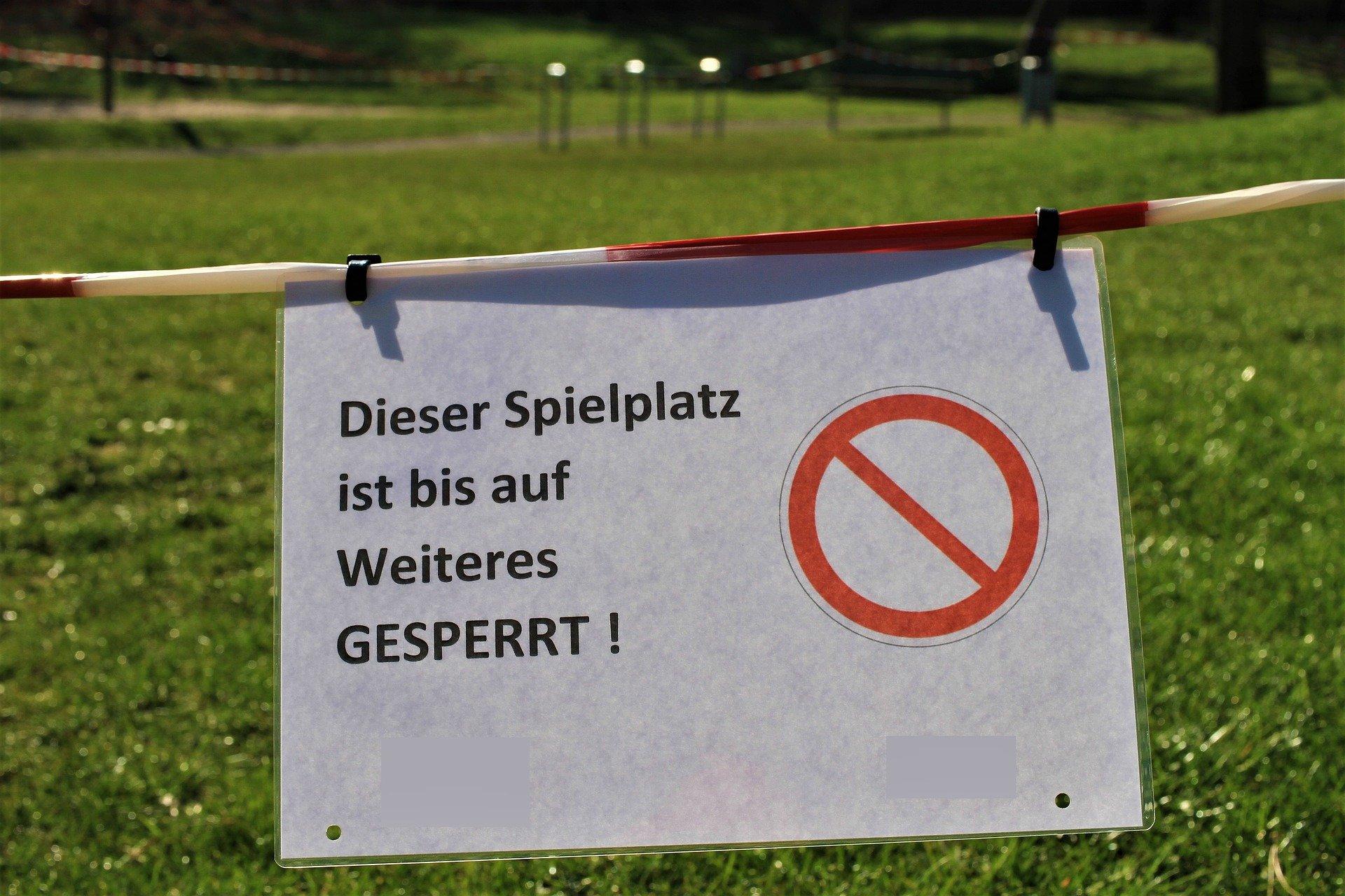 Gesperrter Spielplatz. Symbol-Foto: privat