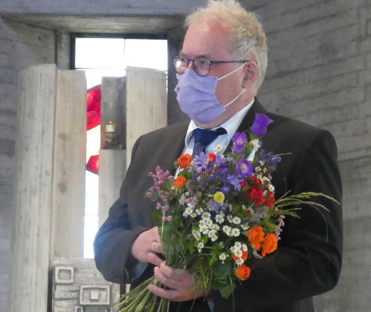 Eckhard Graeff, Organist der Kirchengemeinde Auferstehung Christi, wurde verabschiedet. Foto:  Bernard Raschke