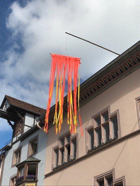 Diese Fahne hat im Jahr 1974 der Künstler Kuno Gonschior (1935 - 2010) geschaffen.Foto: pm