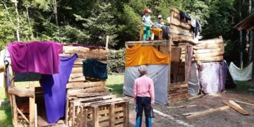 Die kreativen Kinder brauchen noch Material für ihre Baustellen im Sommer. Foto: pm