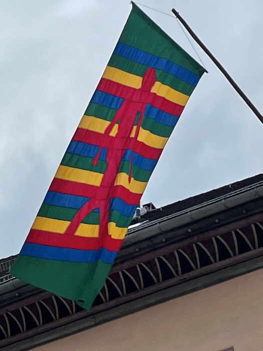 Fahne Nummer vier stammt von Professor Johannes Gecelli (1925 - 2011). Foto: pm