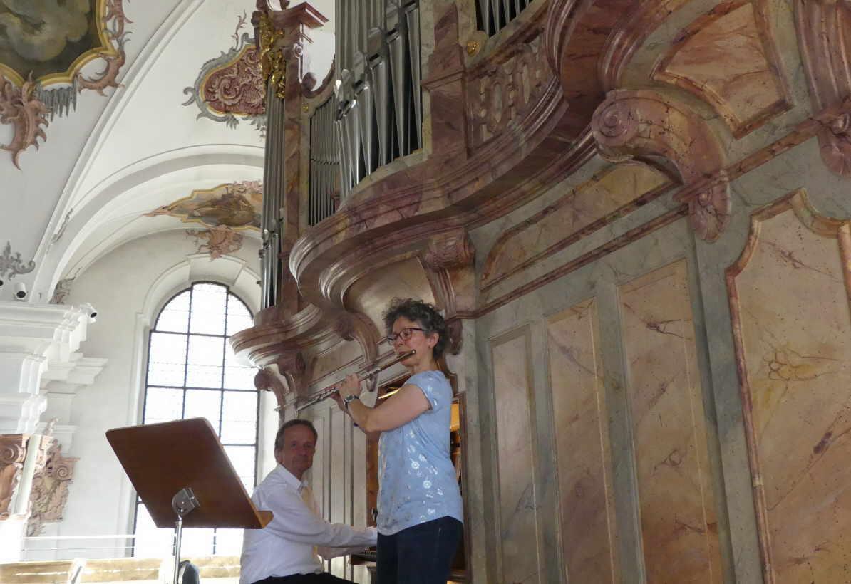 Monika Nagel-Weitz an der Querflöte und Johannes Vöhringer an der Orgel.Foto: Veronika Heckmann- Hageloch
