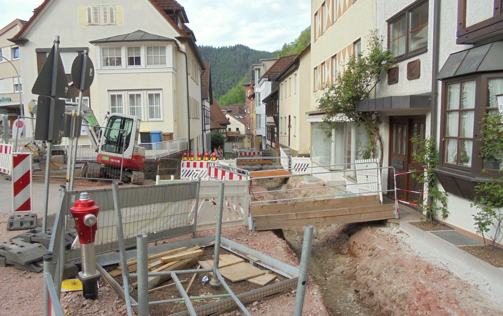 Wieder eine Baustelle: Oberer Teil der Fußgängerzone an der Steige. Foto: him