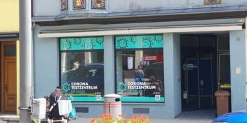 Geschlossen: Das Corona-Testzentrum in der Hochbrücktorstraße, Aber es gibt noch genügend Möglichkeiten, sich testen zu lassen. Archiv-Foto: wede