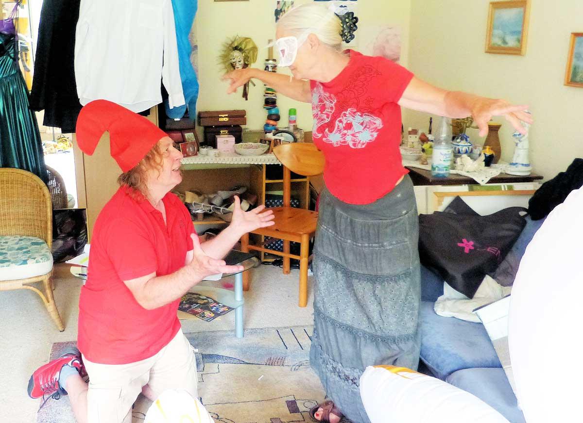 Sie wollen für Heiterkeit im Publikum sorgen: Friedemann Nawroth und Jutta Bärsch. Foto: pm