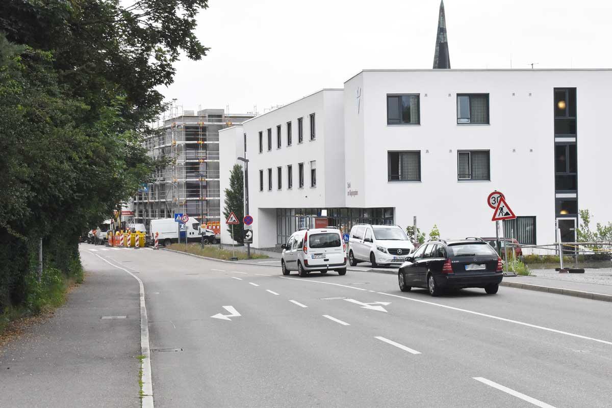 Tempo 30 bei Nacht soll in diesem Teil der Nägelesgrabenstraße gelten, so sieht es der Lärmschutzplan vor. Foto: wede