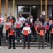 Die Beruflichen Schulen Schramberg konnten 25 Techniker mit einem Preis für herausragende Leistungen auszeichnen (rechts: Schulleiter Axel Rombach, 2. von rechts Fachbereichsleiter Uwe Walter).  Fotos: Schule