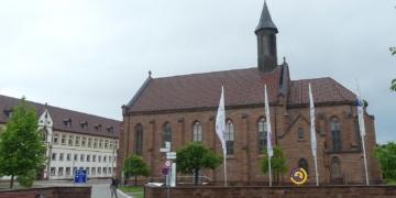Kloster Heiligenbronn mit Kirche St. Gallus. Foto: him