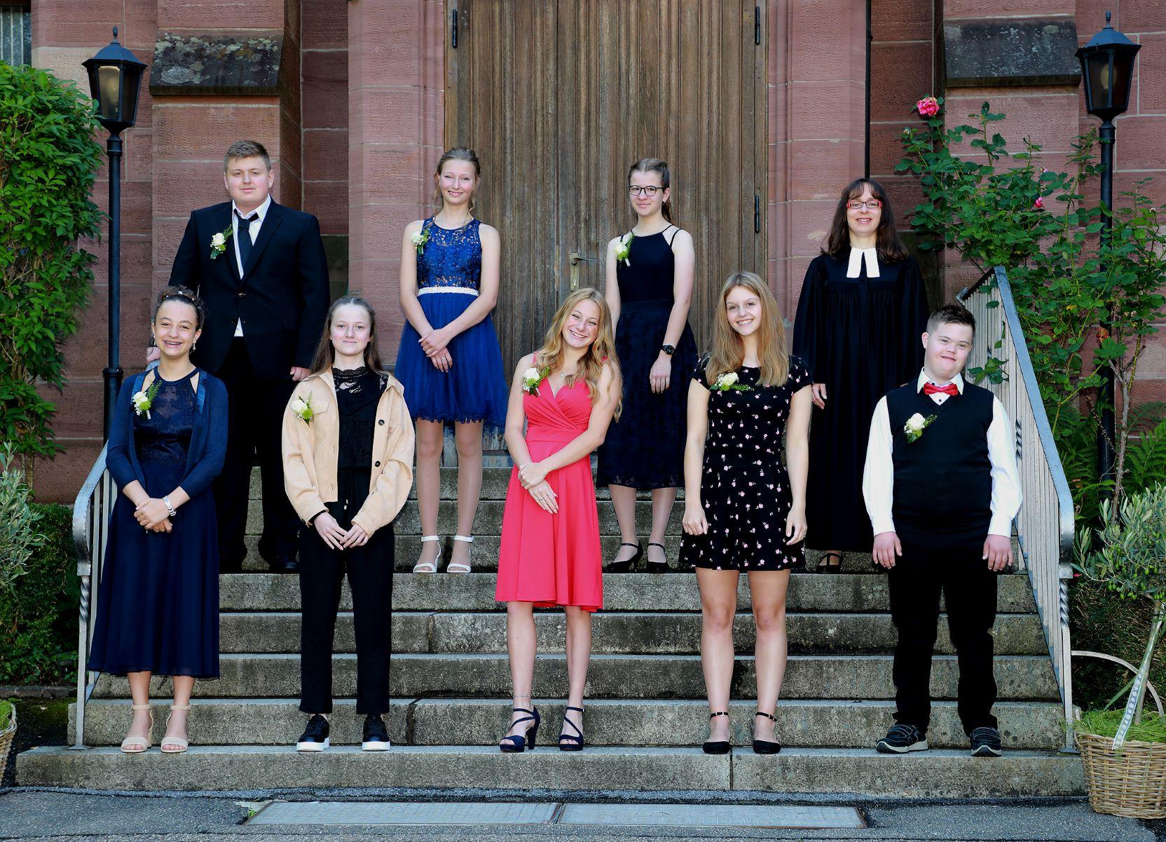 Am Sonntag erhielten acht Schrambergerinnen und Schramberger Gottes Segen bei ihrer Konfirmation. Foto: Pressemitteilung/ Photo-Löffler