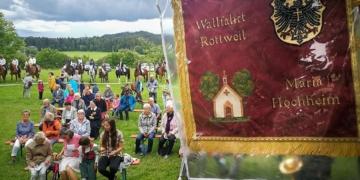 Zahlreiche Gläubige feierten am Sonntag das Patrozinium auf Maria Hochheim. Foto: al