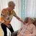 Carmen Kopf von der Beratungsstelle Alter & Technik des Landkreis' Rottweil bietet Sprechstunden in der Musterwohnung für altersgerechtes Wohnen in Schramberg an. Foto: Archiv/pm