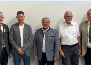 von links: Dr. Markus Kuhner, Rainer Demel, Hubert Dold, Hans-Peter Himmelsbach, BOSM Karl-Heinz Hofmeister. Foto: pm