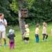 Erste Erkundung des neuen Platzes für den Waldkindergarten. Foto: pm