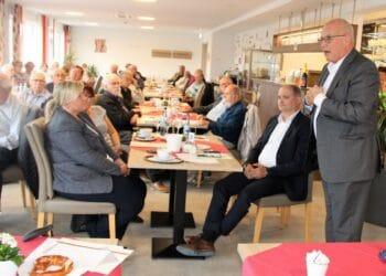 Volker Kauder, letztmals als Bundestagsabgeordneder bei der Senioren-Union Rottweil: kämpferisch, nachdenklich. Und mit herzlichen Dankesworten sowie viel Beifall verabschiedet. Foto: King