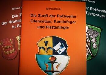 Drei neue sehr kundige Schriften zu Rottweiler Zünften hat der frühere Stadtarchivar Dr. Winfried Hecht vorgelegt. Foto: al