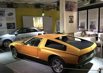 """Die legendäre """"Wankel-Rakete"""" Mercedes C 111, derzeit im Auto- und Uhrenmuseum zu sehen. Foto: pm"""