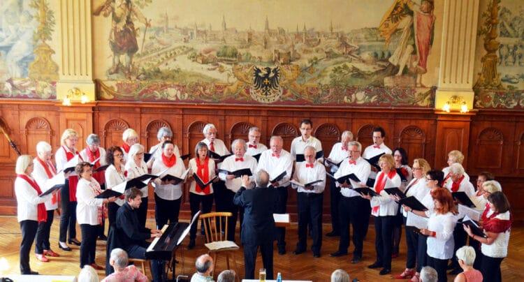 Die Chorgemeinschaft vor der Pandemie: Beim Frühjahrskonzert 2018 im Pflugsaal. Archiv-Foto: wede