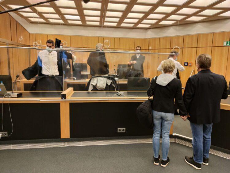 Händchenhaltend betraten die beiden Eheleute Manon H. und Frank R. den Gerichtssaal. Foto: privat